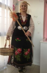 Павлина Братанова като Баба Марта